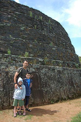 Tzintzuntzan - 03 Us in front of oval Yacata