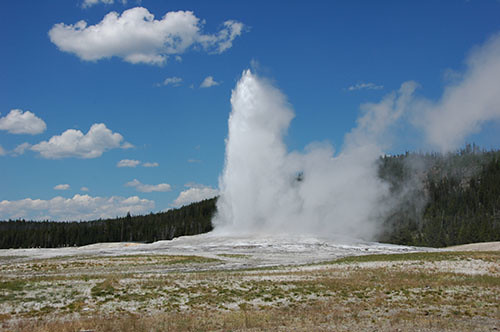 Yellowstone Old Faithful - Old Faithful going 3