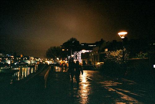溼溼的倫敦夜裡