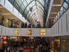 Jacky und Chris beim Einkaufen in den Regensburger Arcaden