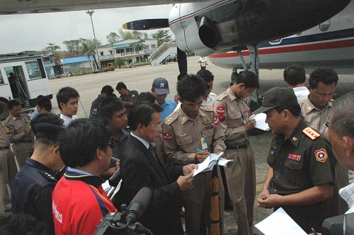 First flights from Vientiane to deliver Medical supllies arrived in Yangoon on 21 May 2008