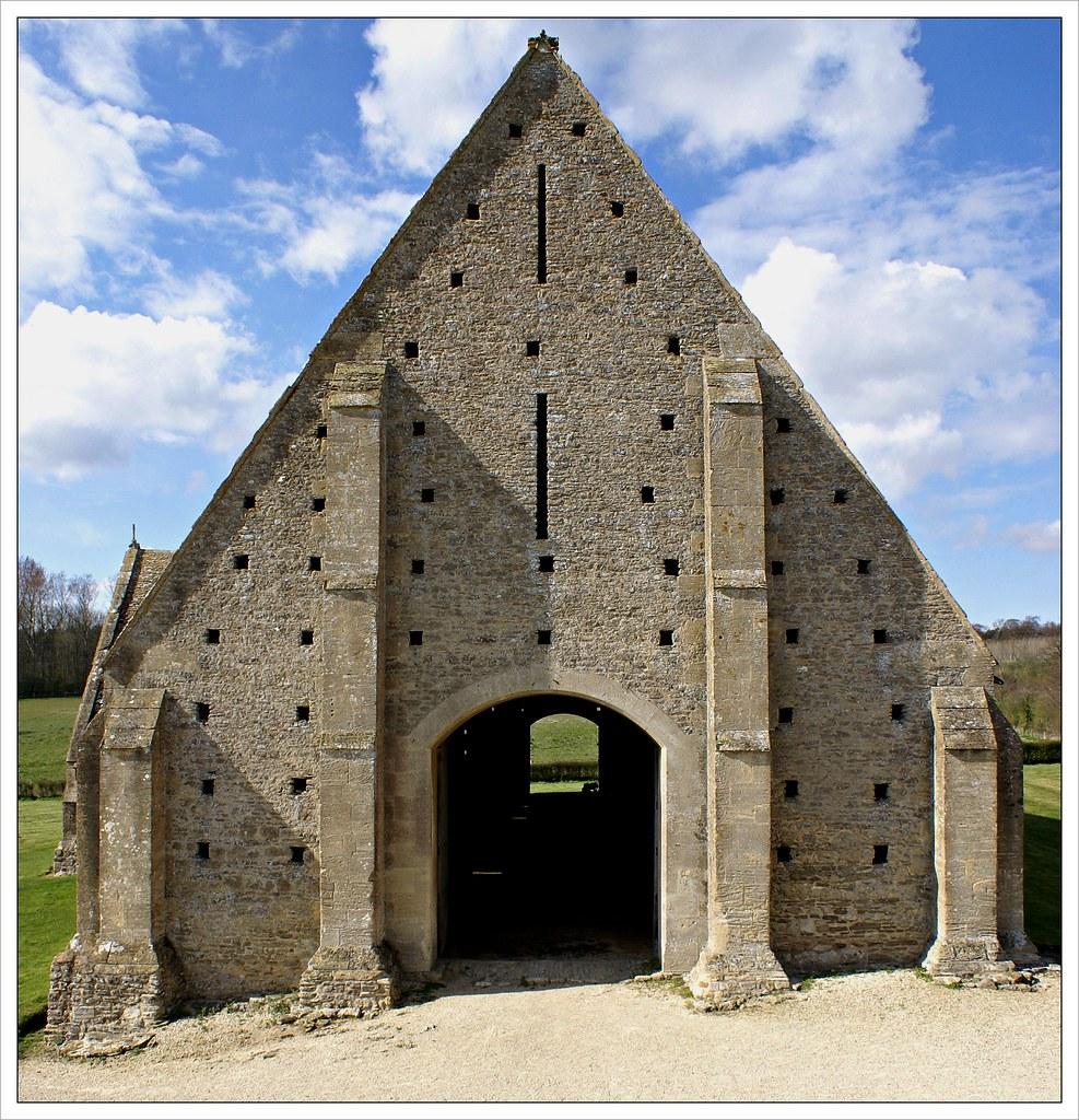Great Coxwell tithe barn