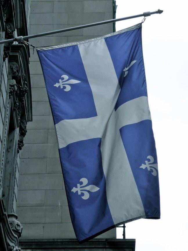 Fleurdelisé (Official Flag of Québec)