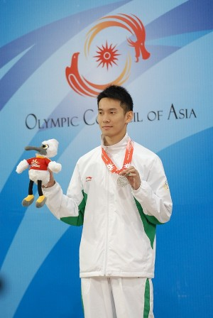 2AIG-M100fly-Silver-VictorVong