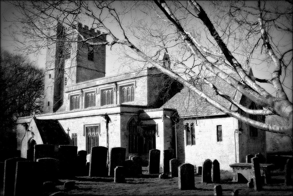 Bledington church