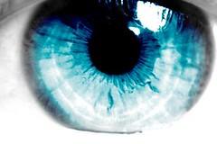 Reframing transforms perception