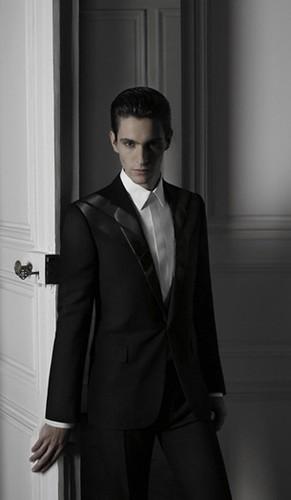 Civiles - Hernán Lacasa para Dior