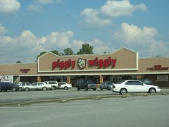 Wow a real Piggly-Wiggly!!