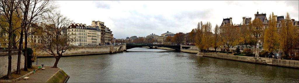 Les iles, Paris