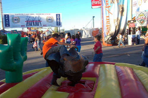 Chihuahua Feria - 04 - Nadav on Mech Bull