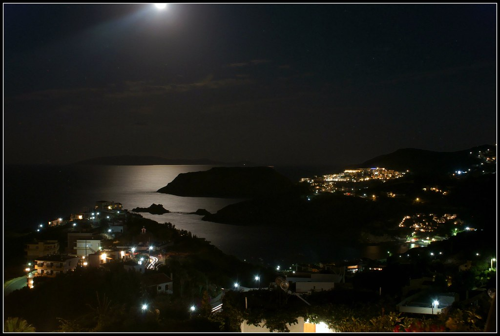 Agia Pelagia, night