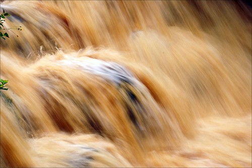Molten water