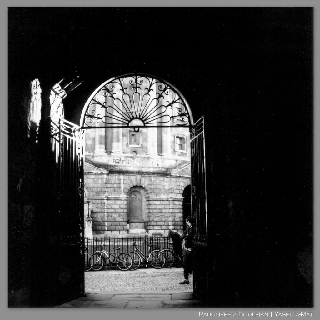 Bodleian / Radcliffe | Yashica-Mat