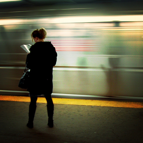 subway_Reading_yellow_2538_l