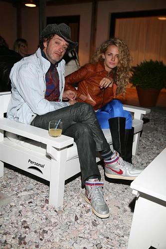 Gustavo Cerati y Leonora Balcarce en Personal Casa Chic b