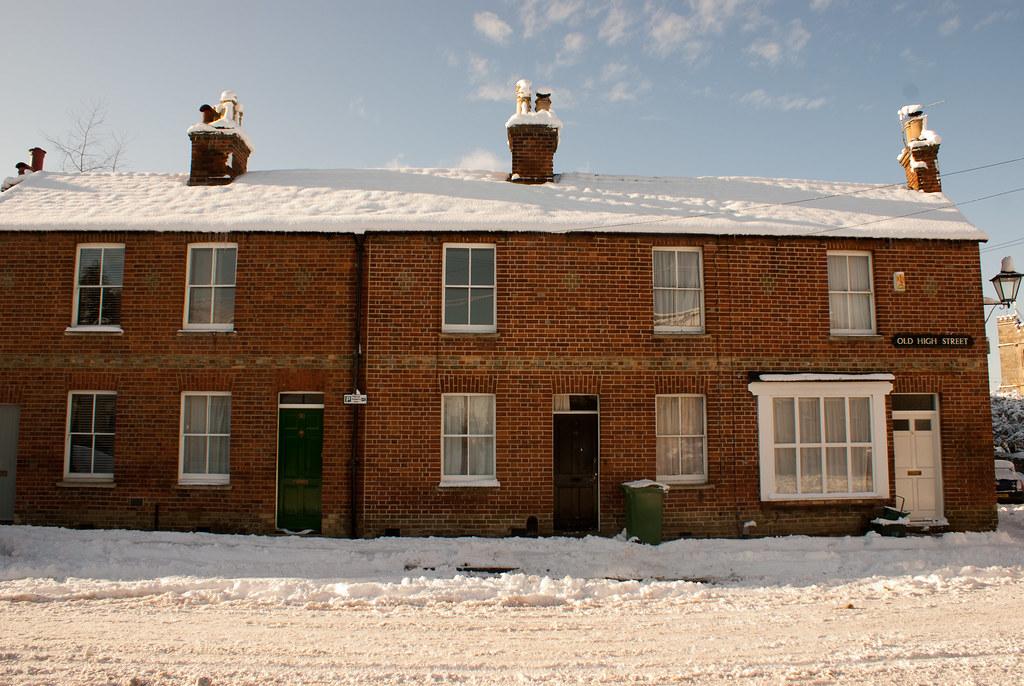 Old High Street snow and sun