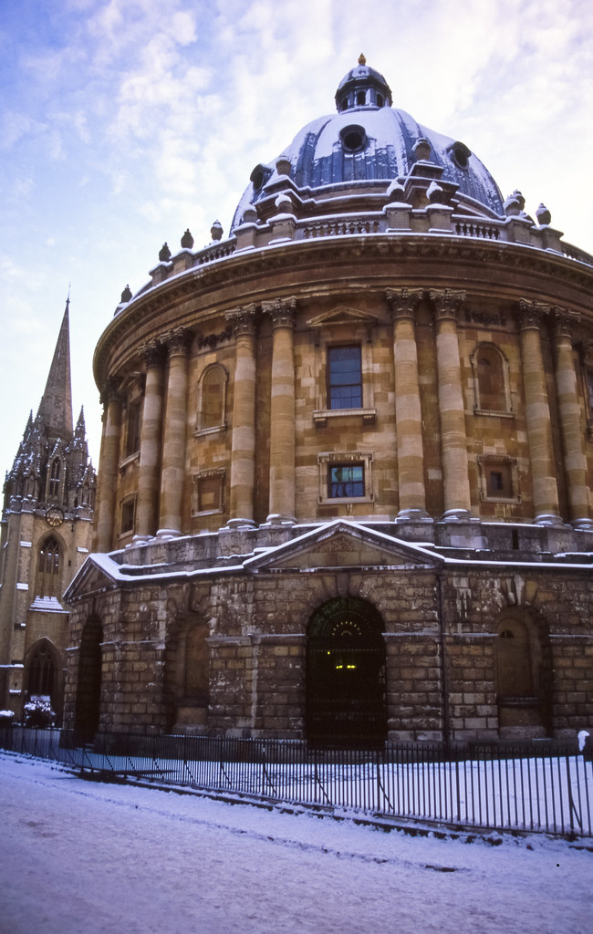 Radcliffe Camera | Velvia 50 | #11