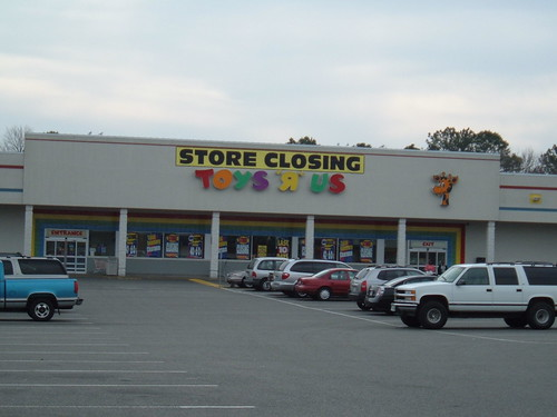 Toys R Us Going Out Of Business (Hampton, VA)