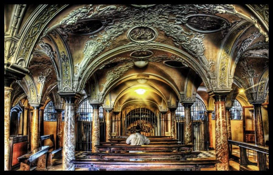 Deep inside the Catacombs