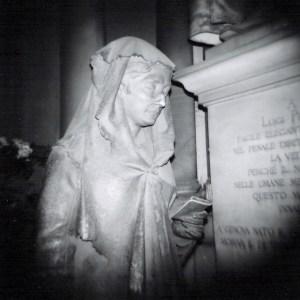 Tomba al cimitero Staglieno di Genova