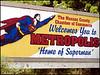 La  Típica  Bienvenida   a  Metrópolis . . .