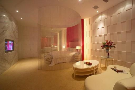 Love_Motel17