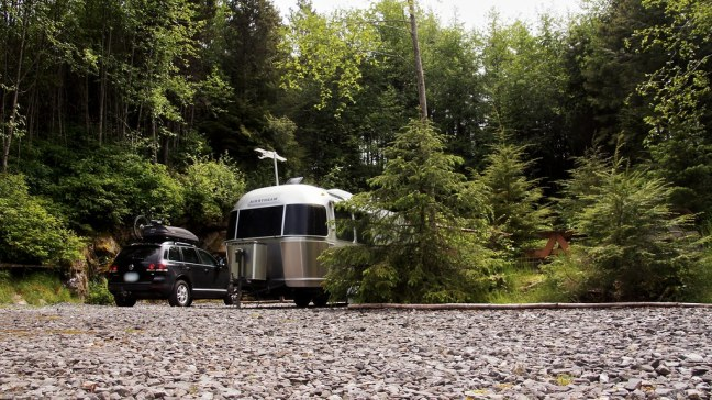 Waiting for ferry at Kinnikinnick Campground