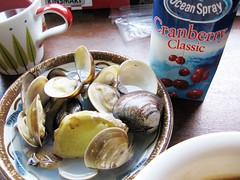 clams and cranberry juice