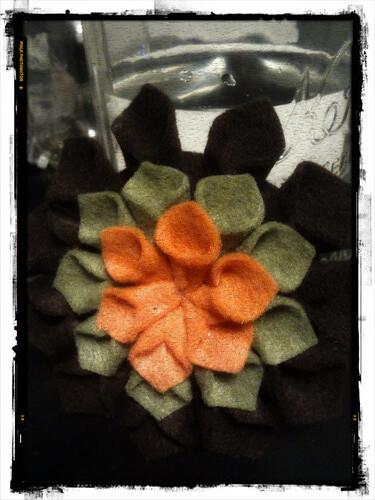Autumn Felt Flower 01