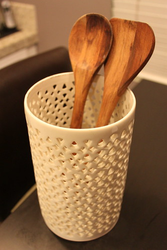Hurricane Utensil Holder