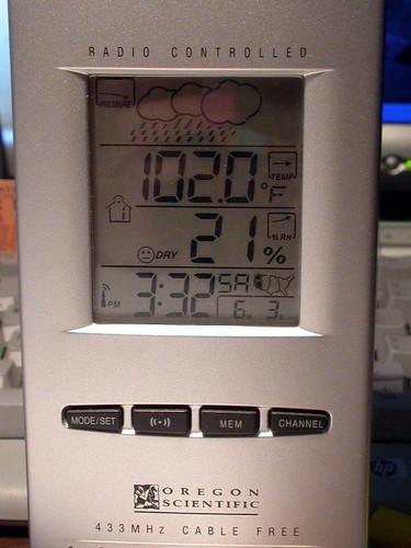 102度F