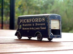 Pickfords removal truck