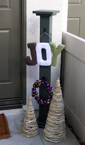 JOY Yarn Holiday Sign
