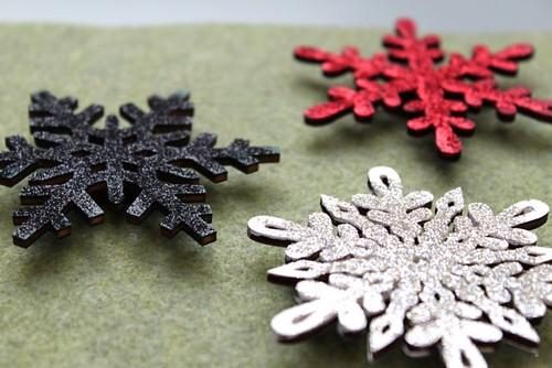 Snowflake Magnets/Pins