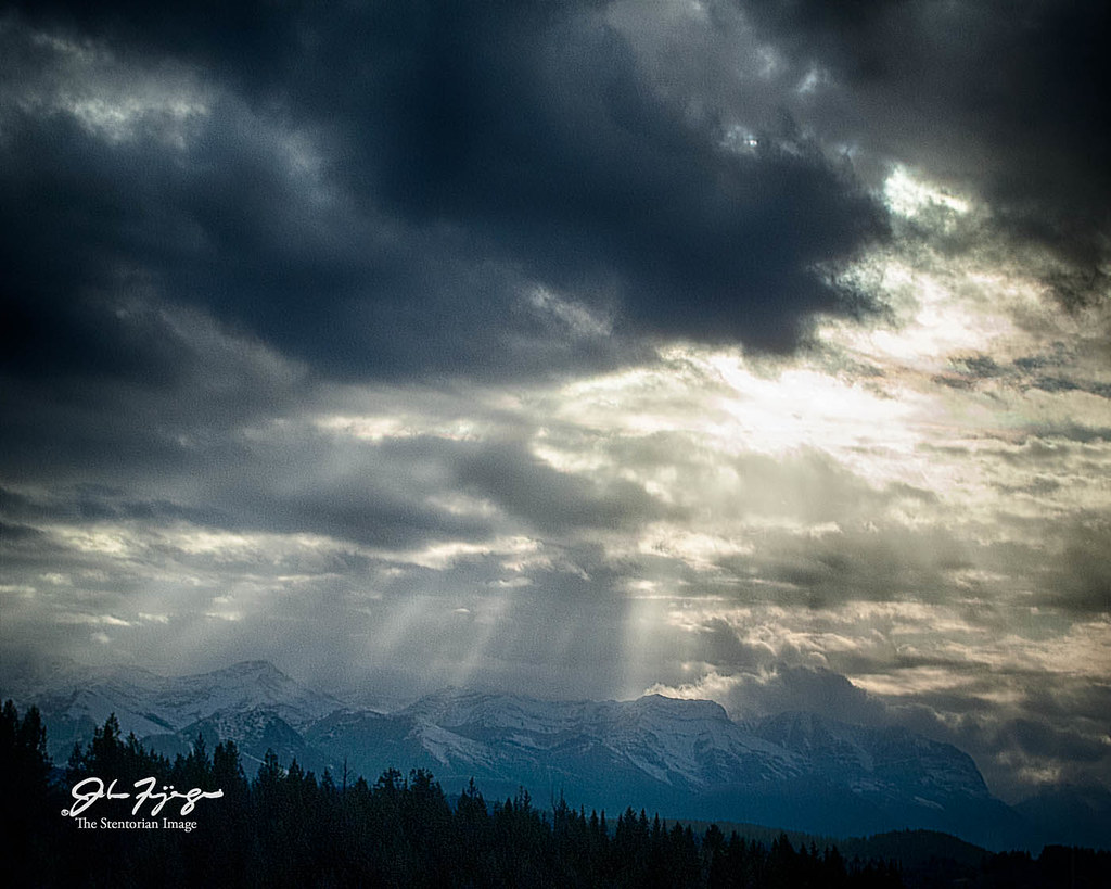 Light Rays Over The Rockies