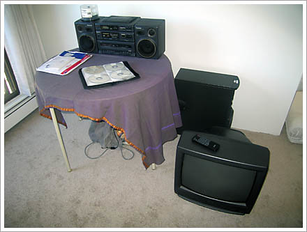 table and cd stereo