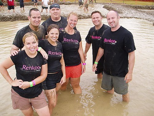 Renkoo mud volleyball