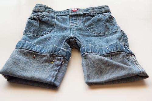 12-06-06_MakingShortsFromJeans5.jpg
