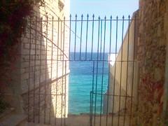 Sea gate
