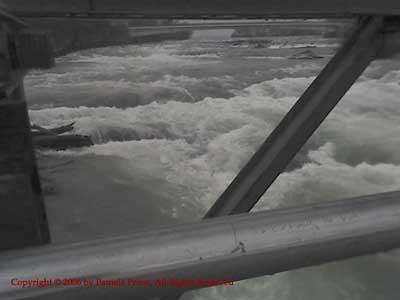 CrossingNiagaraRiver_01-02-06_0949c