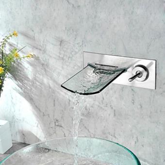 robinet salle de bain mural avec bec verseur large fait de verre un robinet a poignee unique et de style contemporain
