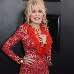 Dolly Parton donated to COVID-19 vaccine research because she 'knew something bad was on the rise' 💥👩💥