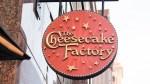 TT :  La star de TikTok utilise la renommée des médias sociaux pour offrir une serveuse à Cheesecake Factory , influenceur