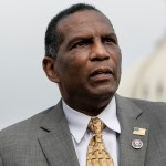 Burgess Owens: US history being 'stolen and rewritten' by CRT; students should be taught about Black founders 💥👩💥