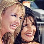 Britney Spears' mom, Lynne, 'pleased' with ex-husband Jamie's decision to eventually step down as conservator 💥👩💥