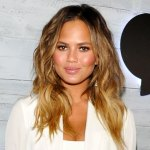 Chrissy Teigen celebrates 50 days of sobriety with her family: Drinking 'no longer serves me' 💥💥
