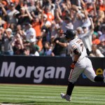 Solano's pinch-hit, 2-run homer rallies Giants past A's 💥💥