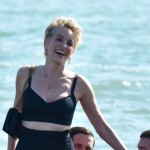 Sharon Stone returns to work in racy outfit 💥👩💥