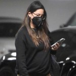 Olivia Munn shows off baby bump after boyfriend John Mulaney confirms pregnancy 💥👩💥
