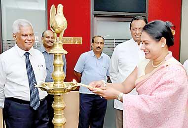 Bucket-left-Ruvini-Dias-Bandaranayake